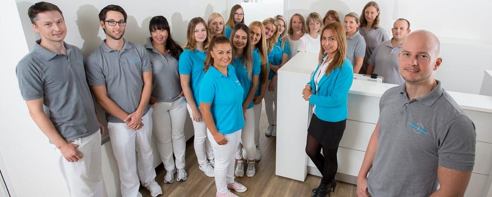 Zahnarzt Dr Zastrow und Kollegen Teamfoto header